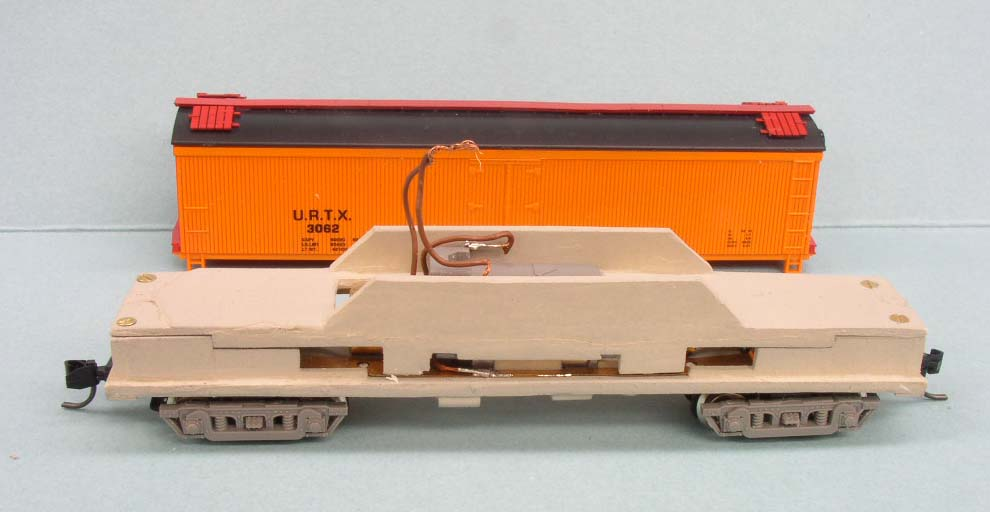 N scale powered express reefer mechanism